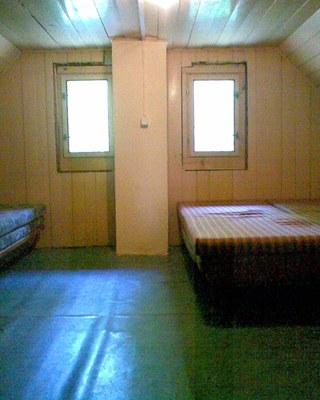 ložnice v podkroví malá